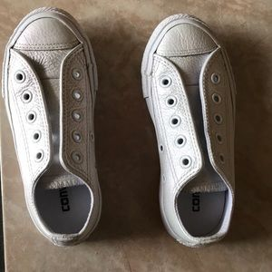 Kids 10.5 White Pearl Upper Leather Converse.